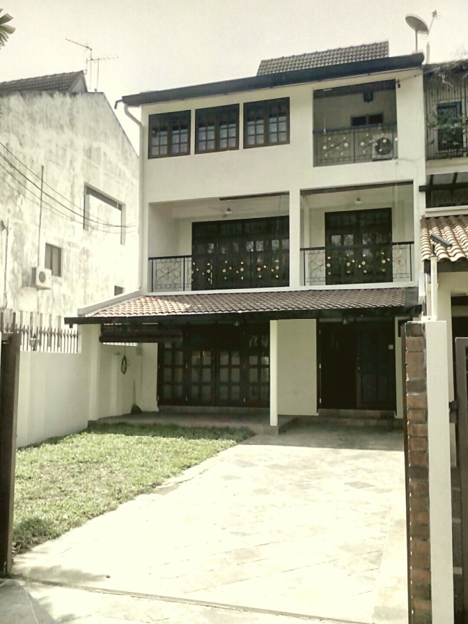 3 Storey Super- link (End-lot) house for Sale in Ampang
